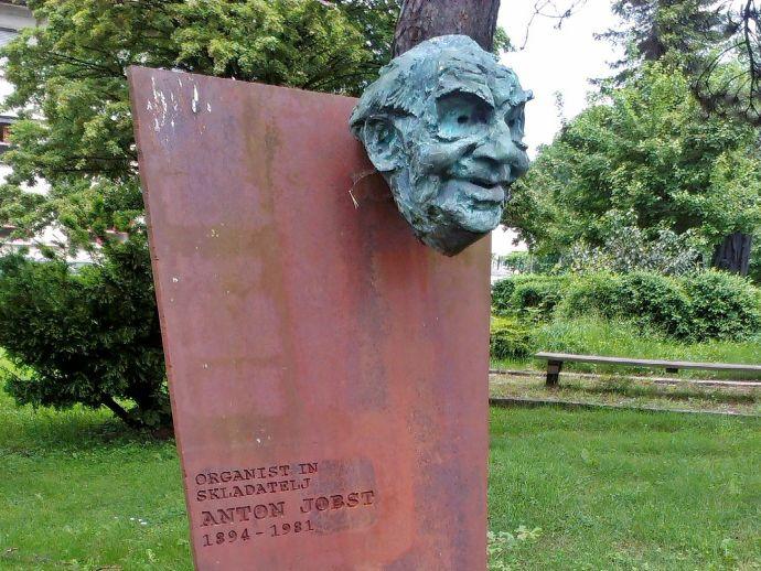Denkmal für Anton Jobst in Žiri