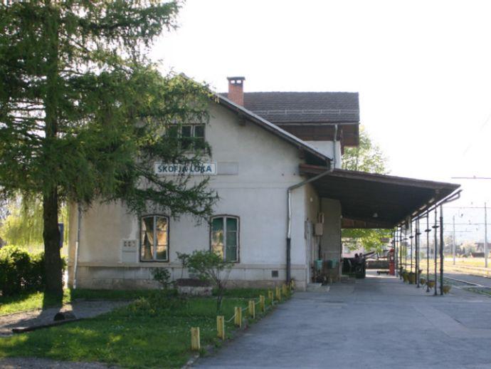 Estación de tren de Škofja Loka