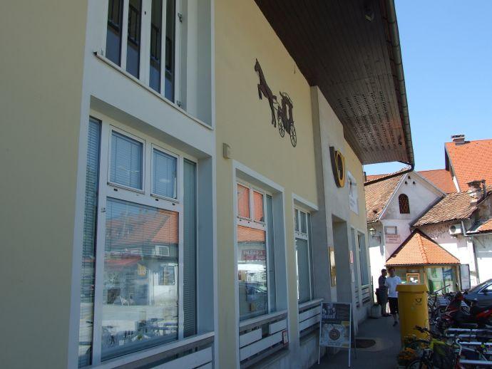 Poslovalnica Škofja Loka 4221 – Kapucinski  trg
