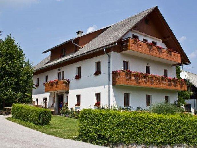 Touristischer Bauernhof Podmlačan
