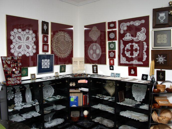 La galerie de dentelles aux fuseaux A. Primožič 1888