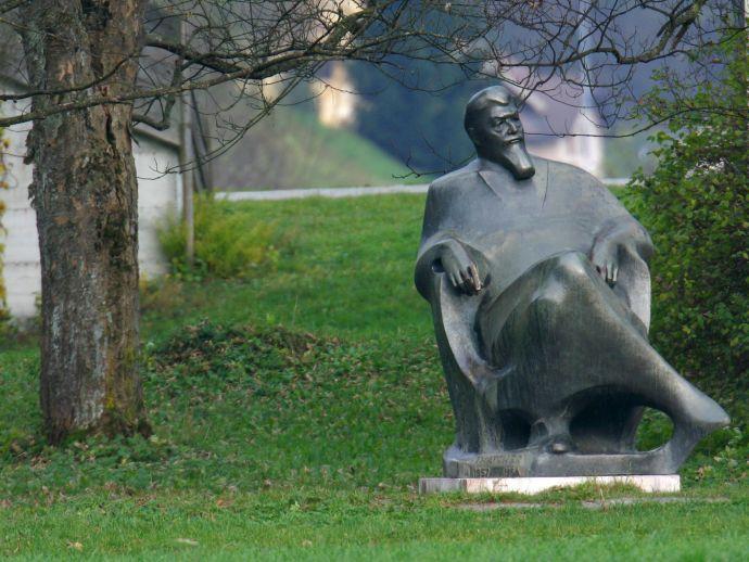 Le monument et mausolée d'Ivan Tavčar