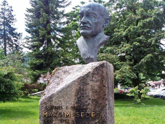 Le monument dédié à Maksim Sedej à Žiri